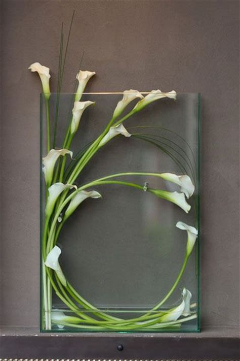 Flower Guide: Calla Lilies   Wedding Ideas   Calla lily