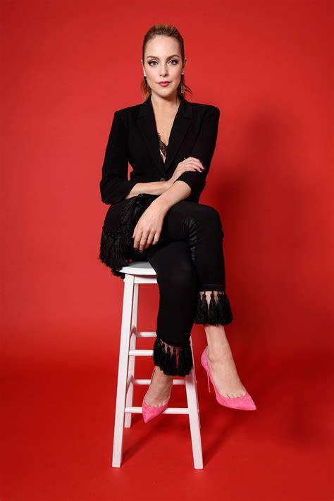 photo sxs vomen elizabet 2017 elizabeth gillies women s wear daily photos october 2017