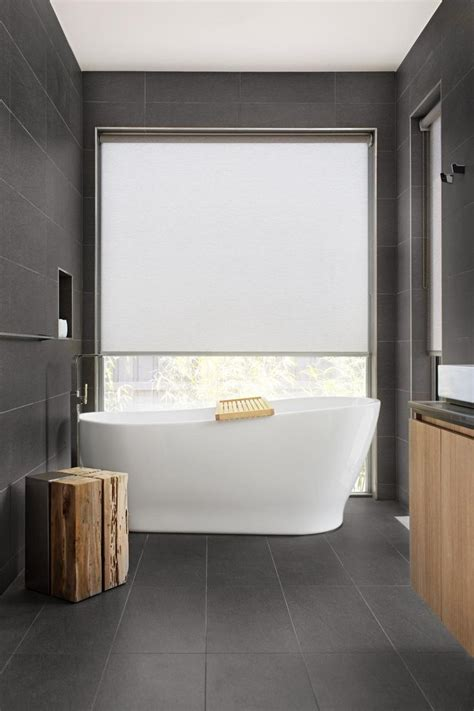 Blinds For Bathroom Window In Shower 25 Best Ideas About Bathroom Blinds On Kitchen Window Blinds Bathroom Window