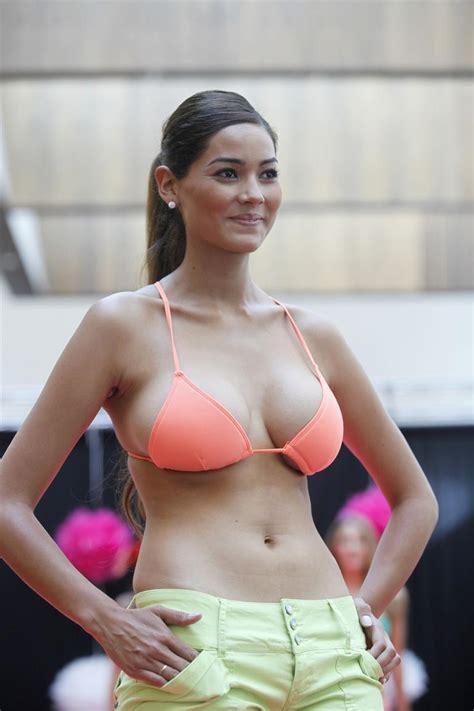 Imagenes Hot De Uniformadas | camila recabarren y maria laura donoso milfs chilenas
