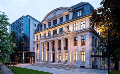 bb bank frankfurt γερμανική έκθεση αγοράστε ελληνικά ακίνητα και μετοχές