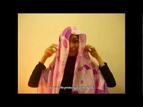 tutorial halfmoon qaira hijab hijab tutorial elle zada halfmoon shawl travelling