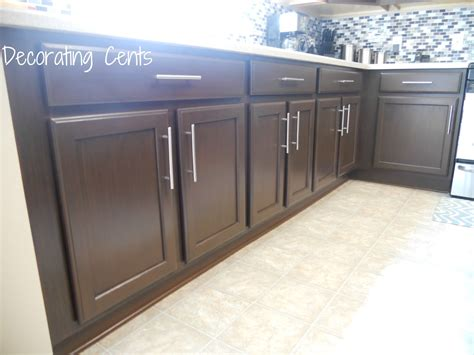 Quaker Maid Kitchen Cabinets by Dark Kitchen Cabinets With Knobs Quicua Com