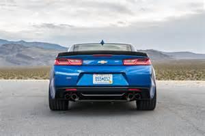 2017 camaro ss 2017 chevrolet camaro ss 1le rear view 02 motor trend