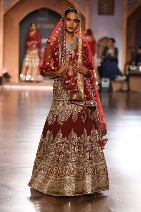 amazon india couture week collection  reynu tandon