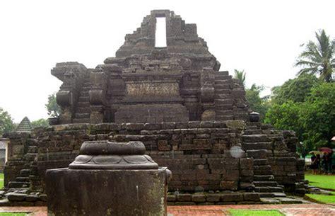 kerajaan kerajaan hindu di indonesia dan peninggalan perkembangan kerajaan kerajaan hindu dan budha di indonesia