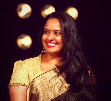 actress pragathi pragathi aunty unseen photos