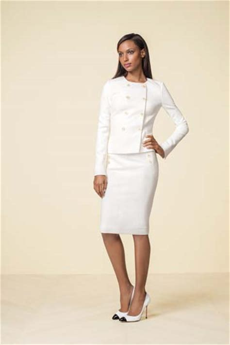 new nail shap wearn by olivea pope in 2015 series dress like olivia pope with the limited collection