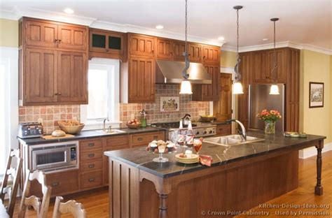 what is in style for kitchen cabinets pictures of kitchens traditional two tone kitchen