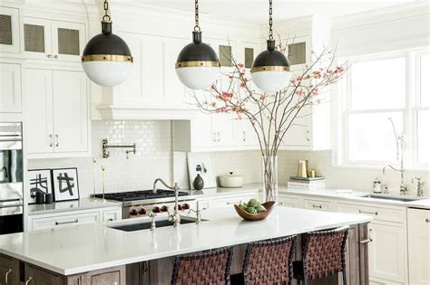 pendant lights for kitchen island spacing stainless steel apron sink next to cooktop transitional