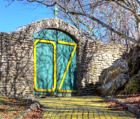 land of oz theme park yellow brick ode the mainly abandoned land of oz theme