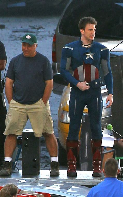 clark gregg estatura captain america on the cleveland set of the avengers