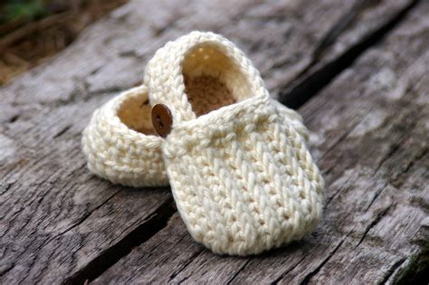 crochet patterns for baby booties home twogirlspatterns com
