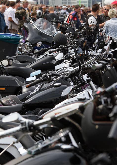 Frauen Motorrad Club Hamburg by News More Mediaservice Harley Days 2012