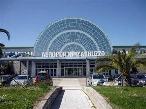 volo roma porto stop ai voli per fiumicino dall aeroporto di pescara il