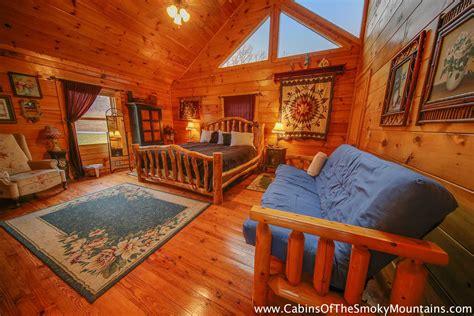 8 bedroom cabins in gatlinburg pigeon forge cabin mountain jubilee 8 bedroom sleeps 28