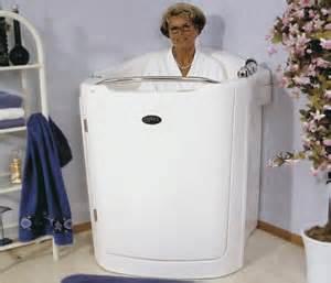 sitzbad badewanne sitzbadewanne mit tuer wandmodell aventas