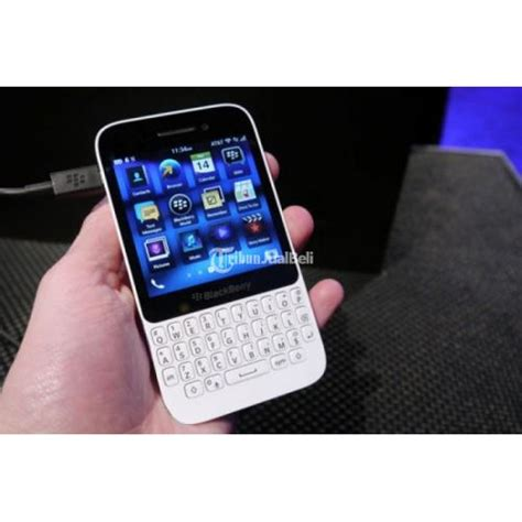Hp Blackberry Curve Warna Putih Bb Blackberry Q5 Warna Putih Hp Only Fungsi Normal Lancar Jakarta Dijual Tribun Jualbeli