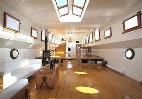 boat house for sale london the river thames guide boats for sale boat brokers