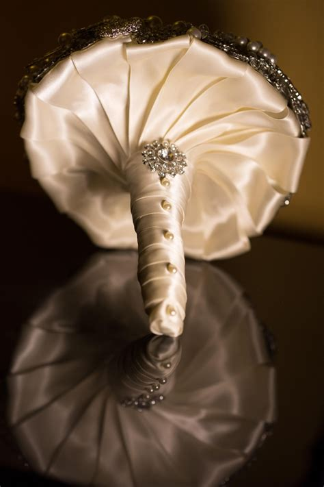 bouquet handle options www myfloweraffair can create this beautiful wedding flower look