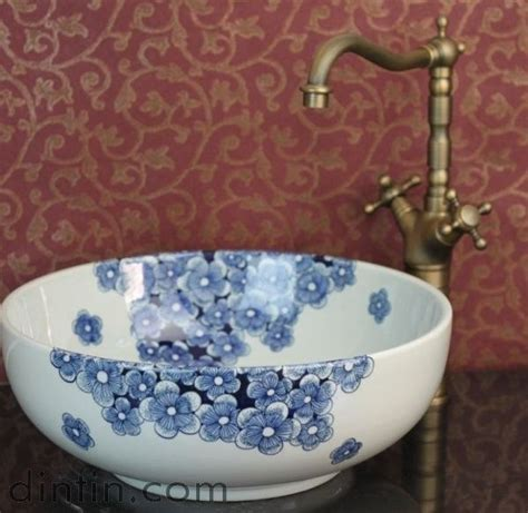 how to polish a porcelain bathtub 1000 ideas about porcelain sink on pinterest cleaning
