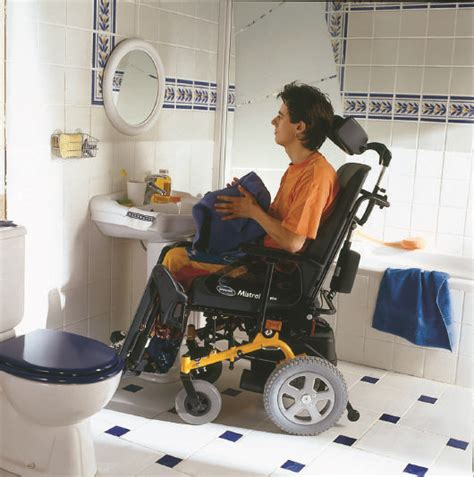 How To On Someone In The Bathroom by Mobility Aids For Bathroom How To Use Them