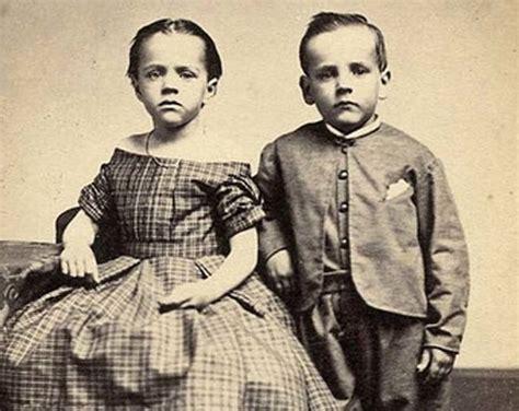 gemelli diversi foto ricordo gemelli dell epoca vittoriana 13 fotografie misteriose