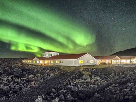 where to stay to see the northern lights travel briefs four places to stay and see the northern