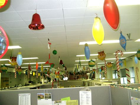 office decoration theme 40 office christmas decorating ideas all about christmas