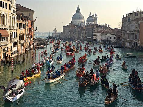 di venezia carnevale di venezia masks costumes boats and fritelle