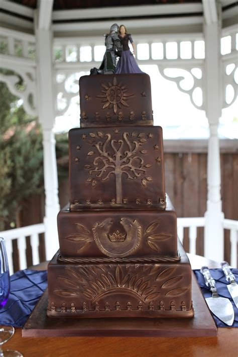81 best lord of the rings home decor images on pinterest 145 best hobbit lord of the rings cakes images on