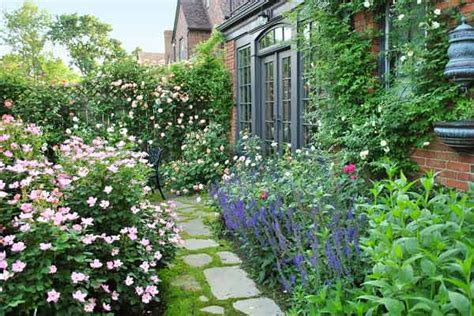 cottage style backyards 16 brilliant ideas to make garden paradise in your yard