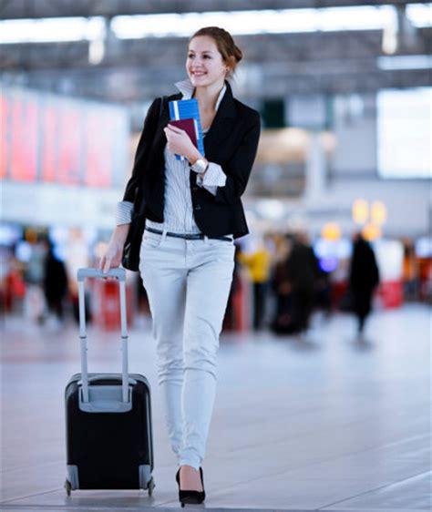 tips agar bebas masalah saat membawa koper ke kabin pesawat