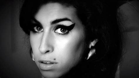 amy winehouse house watch first official clip from amy winehouse documentary rolling stone