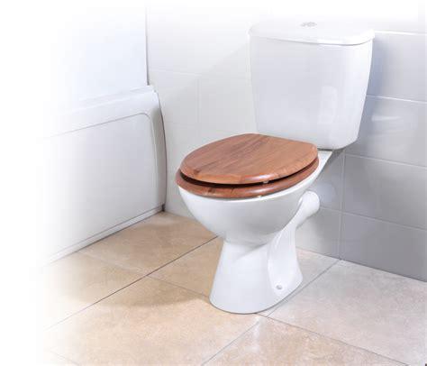 18 toilet seat beldray la033710oak 18 pvc veneer toilet seat oak