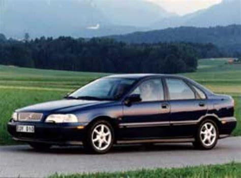 2000 volvo s40 reviews used volvo s40 v40 review 1997 2000 carsguide