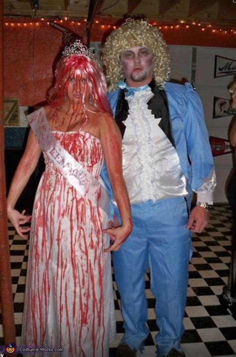 carrie  dead prom date couple halloween costume