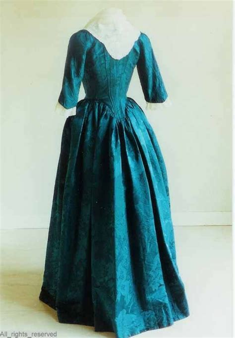 flower pattern robe rear view robe 224 l anglaise the netherlands 1780 1795