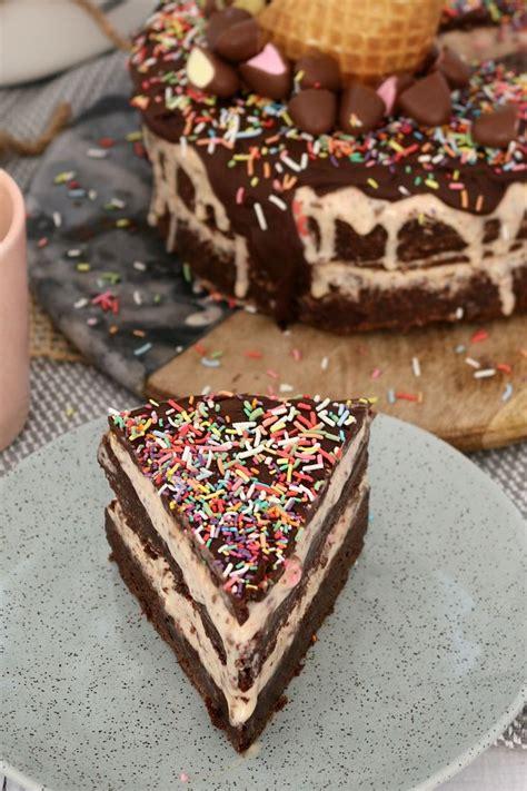 birthday cake   amazing clinkers chocolate brownie ice cream cake  askbirthday