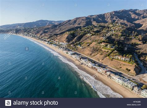 Publishers Clearing House En Espanol - aerial of beach houses along pacific coast highway in the malibu area stock photo