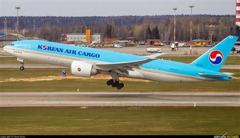 hl8046 korean air cargo boeing 777f at moscow sheremetyevo photo id 892209 airplane