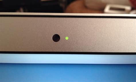 Macbook Light apple relies on frickin lasers to shine light through