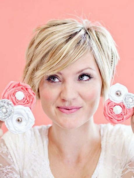 good haircuts for thick hair round face short hairstyles for thick hair and round face