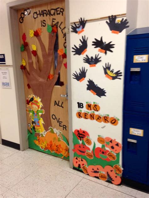classroom door decoration for fall