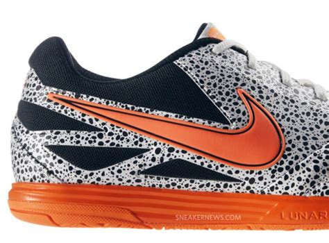 Sepatu Futsal Nike Lunar Gato nike lunar gato ic safari progress