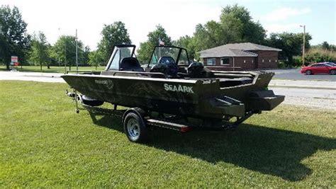 seaark pro cat boats for sale new 2015 seaark 200 pro cat taylorville il 62568