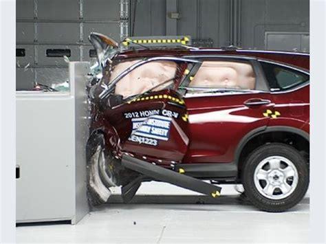 Honda Crv Crash Tests by Honda Cr V Small Overlap Crash Test