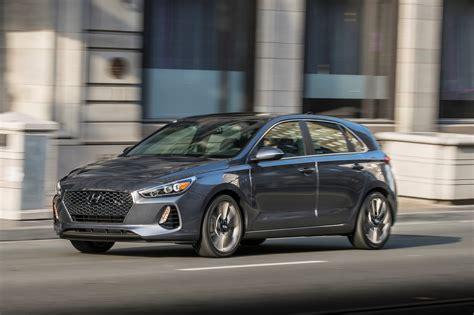 Hyundai Elantra Gr 2018 Hyundai Elantra Gt Starts At 20 235 Motor Trend