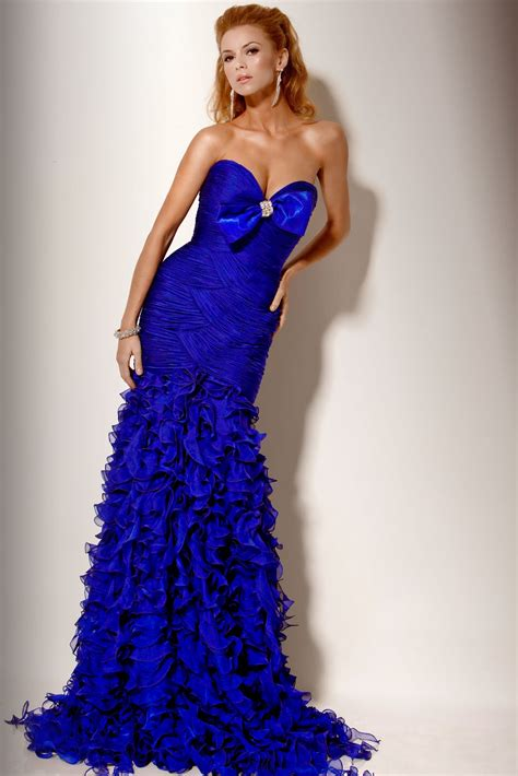 hairstyles to wear with evening gowns cute short hairstyles are classic blue prom dresses are