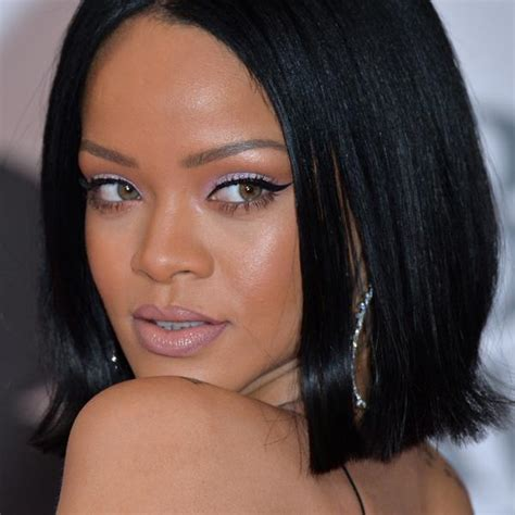 rihanna eye color what is rihanna s real eye color does she wear coloured